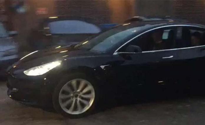 Probando la versión final del Tesla Model 3