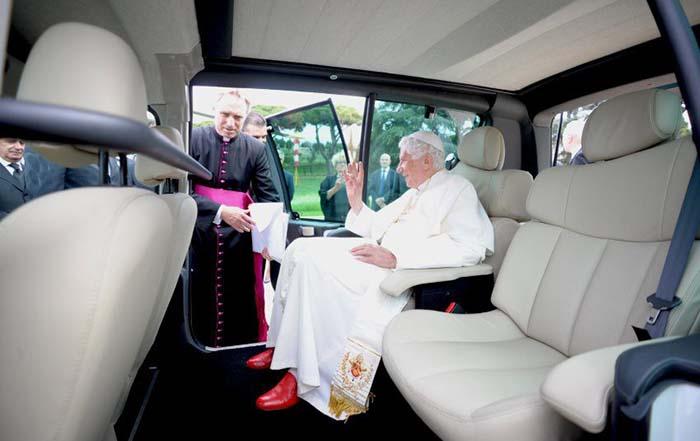 Renault Kangoo Maxi Z.E trasnformada para Benedicto XVI