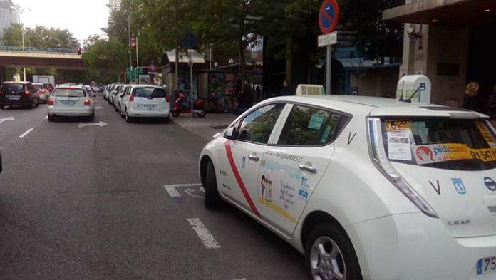 El segundo taxi eléctrico de Madrid - Foto Jose Luis Rodríguez