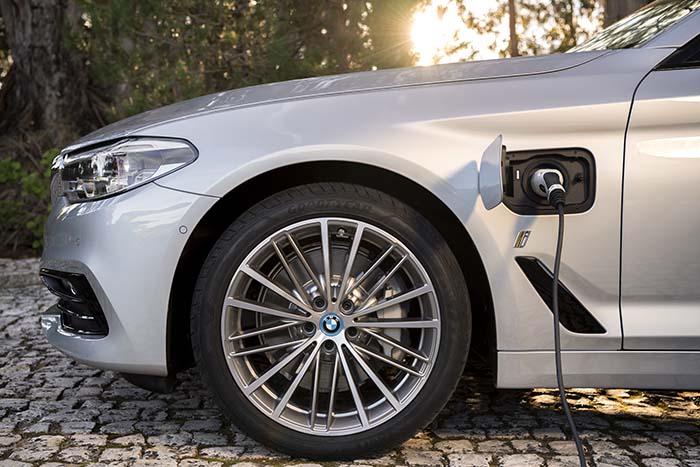 Puerto de recarga del El BMW 530e iPerformance