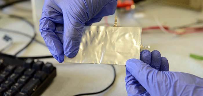 Baterías de iones de litio, alta velocidad de carga-descarga, mayor durabilidad, seguridad y bajo coste