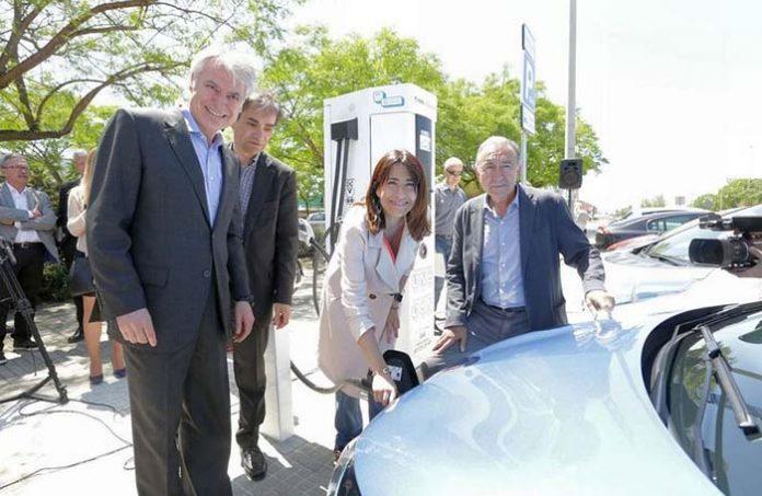 Inauguración del nuevo punto de recarga rápida y Bicibox en Gavà