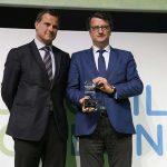 Santiago de la Rocha recibe el premio Be Green de manos de David Casanovas