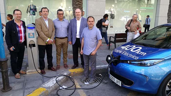 Inauguración del primer punto de carga público en Alicante