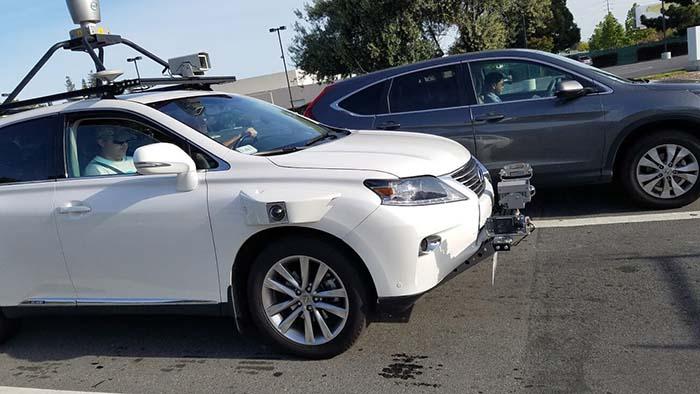 Lexus RX450h equipado con cámaras, sensores y radares LiDAR