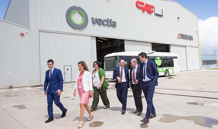 Visita a las instalaciones de la planta de Trenasa y Vectia, ambas pertenecientes al grupo CAF