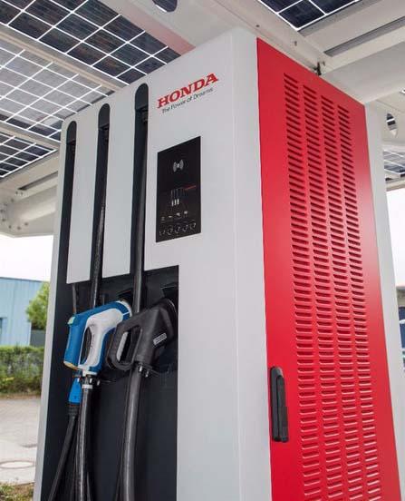 Puesto de recarga de Honda a 150 kW con los tres estándares de carga
