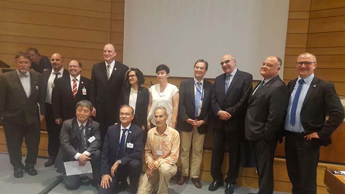 Representantes de Nissan y del Consell Insular de Menorca en la sede de la UNESCO