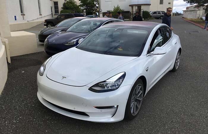 Tres unidades del Tesla Model 3 de pruebas