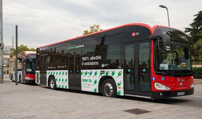 Barcelona contará con cuatro autobuses eléctricos articulados de Irizar
