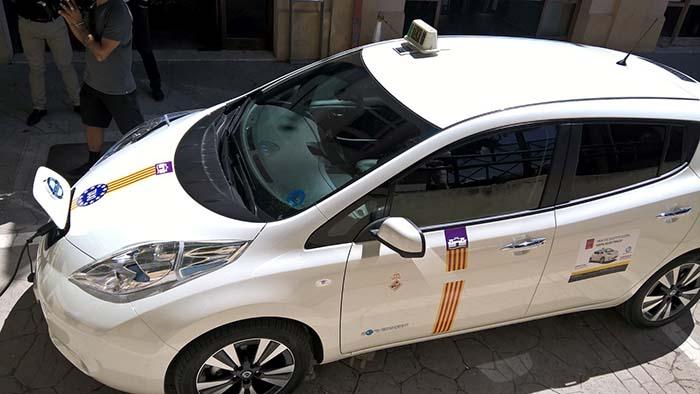 El Nisan Leaf ya se usa como taxi en numerosas ciudades españolas