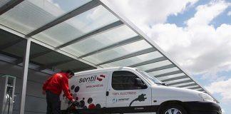 PortAventura estrena su primera furgoneta eléctrica