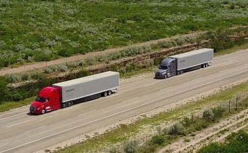 Daimler inicia pruebas de platooning con camiones en Estados Unidos