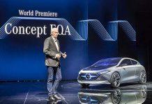 Dieter Zetsche, Presidente de la Junta Directiva de Daimler, presenta el EQA Concept en Frankfurt