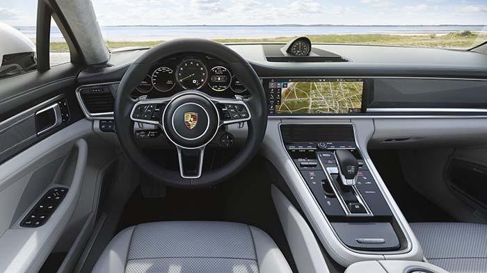 Interior del Porsche Panamera Turbo S E-Hybrid Sport Turismo
