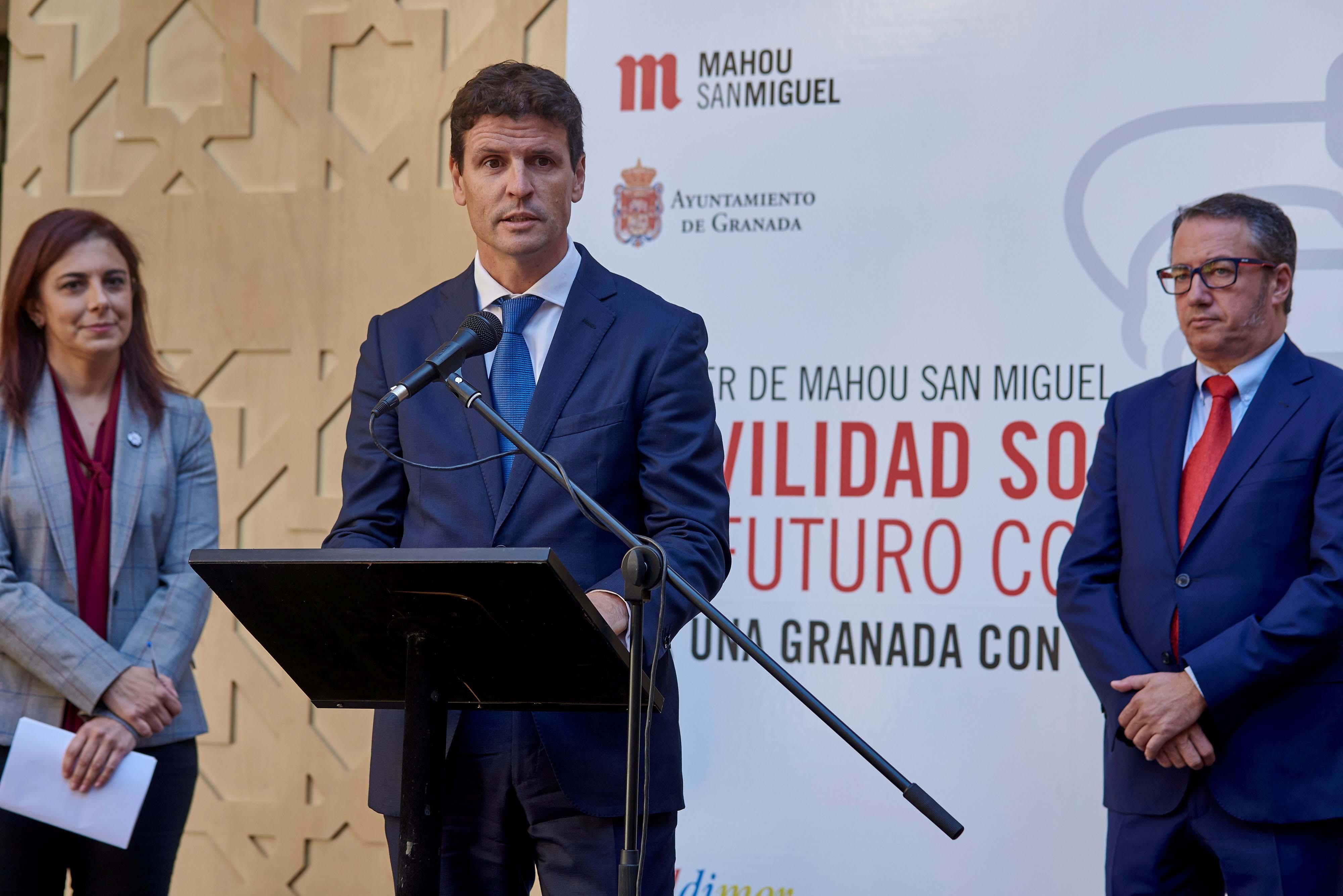 Presentación de la nueva flota eléctrica de Mahou San Miguel en Granada