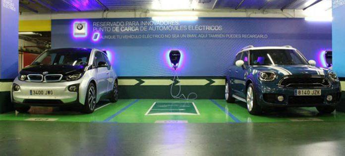 Acuerdo entre BMW y El Corte Inglés para la instalación de puntos de recarga
