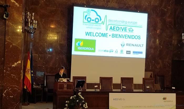 El IV Congreso europeo del vehículo elétrico fue inaugruado por la Ministra de Medioambiente, Isabel García Tejerina