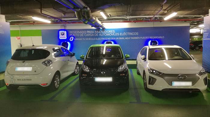 Los puntos de recarga de BMW y El Corte Inglés los podrán usar otros modelos del mercado