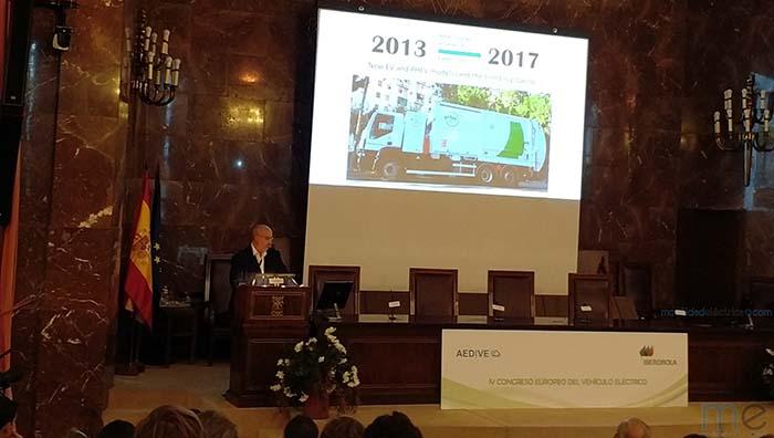 Premio AEDIVE-Santiago Losada a la innovación, vehículo de recogida de residuos presentado por Urbaser
