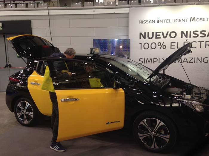 Estand de Nissan en la Feria del Taxi 2017