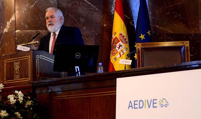 Miguel Arias Cañete, comisario de Política Climática y Energía de la Comisión Europea en el CEVE 2017