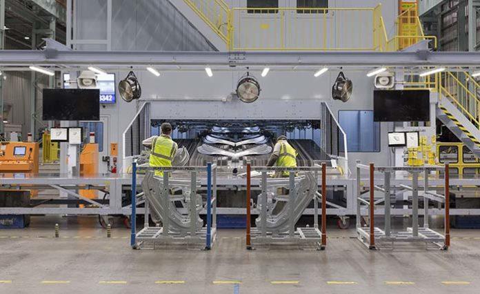 Nissan arranca la producción del Leaf para Europa en Sunderland