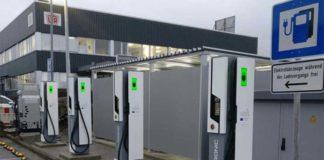 Primera estación de carga ultrarrápida en funcionamiento en Kleinostheim, cerca de Frankfurt, Alemania