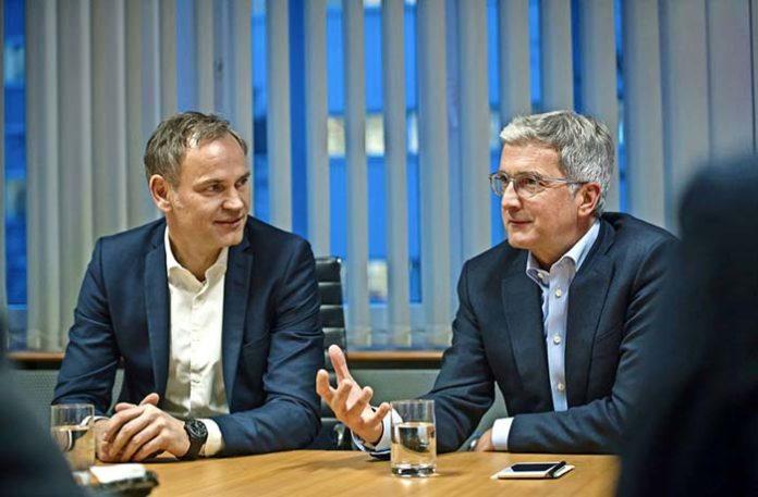 Audi y Porsche cooperarán en el desarrollo de coches eléctricos - Oliver Blume, CEO de Porsche y Rupert Stadler, responsable de Audi