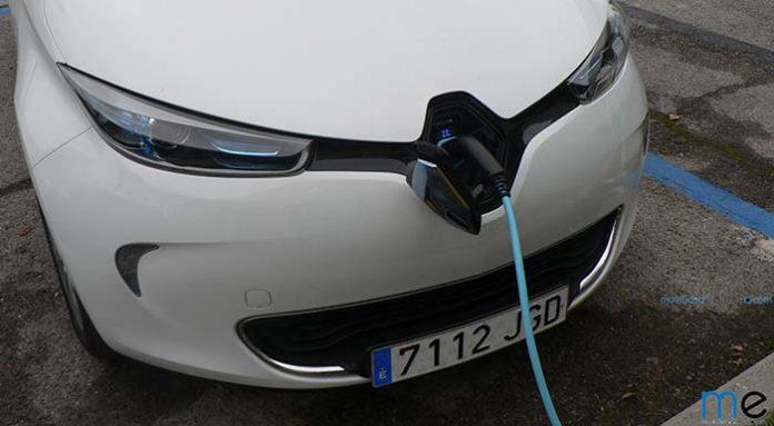 Renault se une al proyecto E-VIA Flex-E y se acerca más al CCS-Combo 2