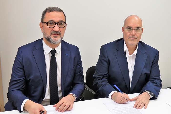 Juan Virgilio Márquez, Director General de AEE y Arturo Pérez de Lucia, Director Gerente de AEDIVE
