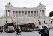 Roma se apunta a la prohibición del diésel, arrivederci en 2024