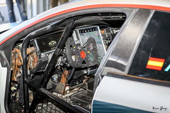 Interior del Telsa Model S de Electric GT