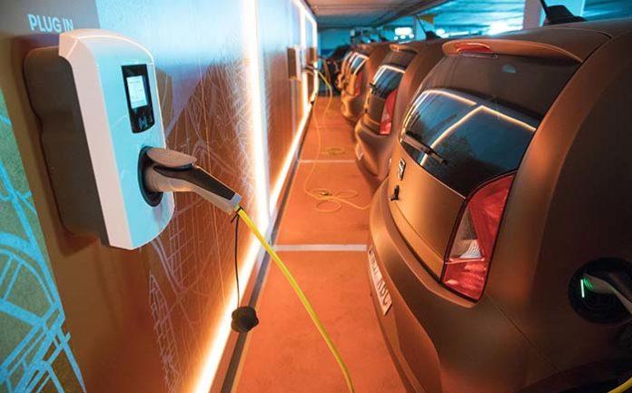 SEAT pone en marcha una prueba piloto de carsharing eléctrico con el eMii