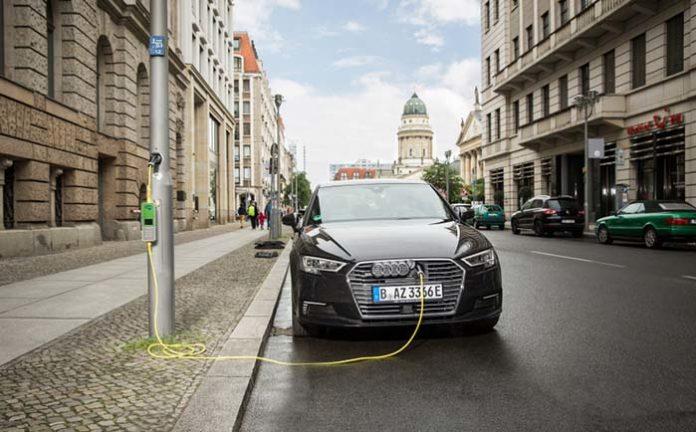 Siemens apuesta por la instalación de puntos de recarga en las farolas