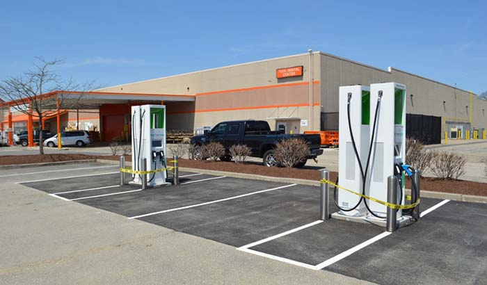 Estación de carga de Electrify America en Chicopee, Massachusetts