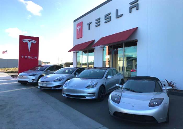 Los cuatro modelos de Tesla, desde 2012 a 2018
