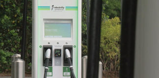 Electrify America amplía la red de carga rápida a los establecimientos Simon