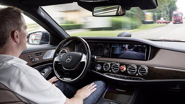 Intelligent-drive-Mercedes