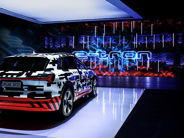 Exterior camuflado del Audi e-tron