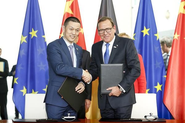 Firma del acuerdo Bosch-NIO