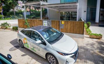 Toyota Prius Prime con paneles fotovoltaicos