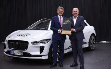 Entrega del premio de coche del año al jaguar i-pace