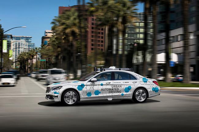 Daimler y Bosch conducción autónoma