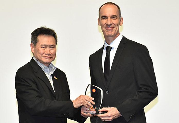 Premio Asean a ABB
