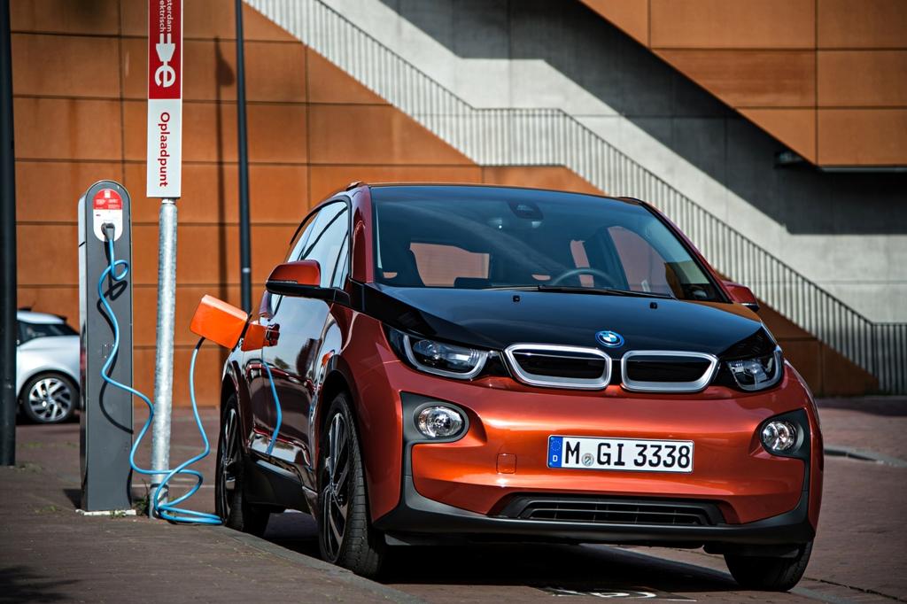 La carga rápida de Porsche y BMW — Fast Charge