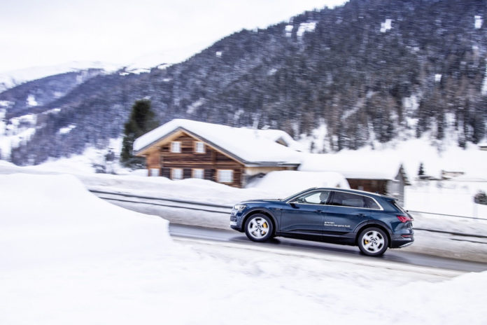 Audi provee con 50 e-tron la flota oficial de Davos