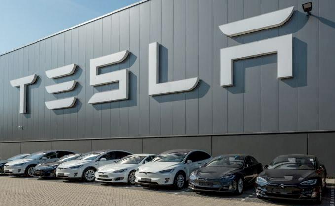 Tesla compra al fabricante de baterías Maxwell Technologies
