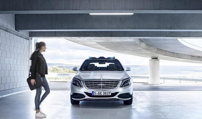 Los sistemas de luces en los vehículos autónomos ayudan a aumentar la confianza de los peatones en ellos