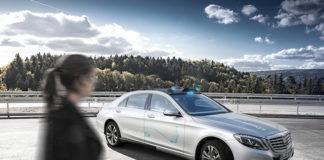 Un sistema de luces de 360 grados ayuda a que las personas conozcan que los vehículos estén en modo de conducción autónoma